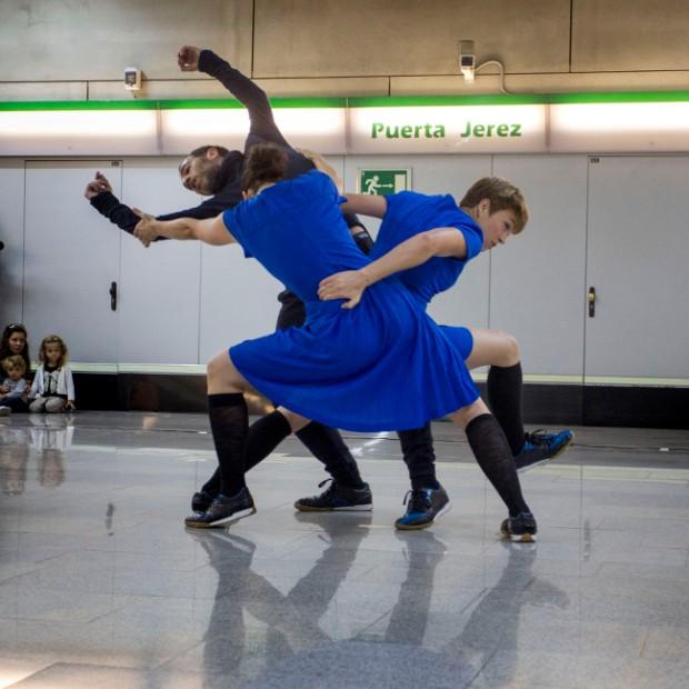 `Privolva landing´, de Olatz de Andrés, el sábado 31 de octubre en el metro Puerta Jerez. © Luis Castilla